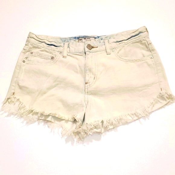 Free People bleached jean shorts size 27